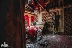 deadinside, urbex, dead inside, natalia sobanska, abandoned, abandoned sex hotel, furin hotel, love hotel, abandoned Japan, Haikyo (1 of 13)