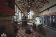 deadinside-urbex-dead-inside-natalia-sobanska-abandonedCentrale-Electrique-dEau-France-3-of-6