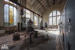deadinside-urbex-dead-inside-natalia-sobanska-abandonedCentrale-Electrique-dEau-France-4-of-6