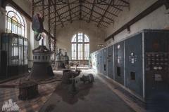 deadinside-urbex-dead-inside-natalia-sobanska-abandonedCentrale-Electrique-dEau-France-5-of-6