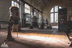 deadinside-urbex-dead-inside-natalia-sobanska-abandonedCentrale-Electrique-dEau-France-6-of-6