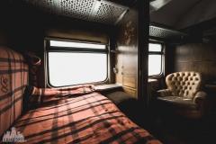 deadinside-urbex-dead-inside-natalia-sobanska-abandoned-abandoned-train-orient-express-poland-Małaszewicze-opuszczony-pociąg-w-Małaszewiczach-1-of-14