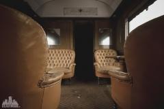 deadinside-urbex-dead-inside-natalia-sobanska-abandoned-abandoned-train-orient-express-poland-Małaszewicze-opuszczony-pociąg-w-Małaszewiczach-3-of-14