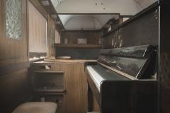 deadinside-urbex-dead-inside-natalia-sobanska-abandoned-abandoned-train-orient-express-poland-Małaszewicze-opuszczony-pociąg-w-Małaszewiczach-7-of-14