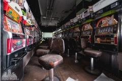 Fukushima exclusion zone, strefa wykluczenia, japan, japonia, abandoned, opuszczone, pachinko, saloon, games room, abandoned, urbexm abandoned japan, japonia-10