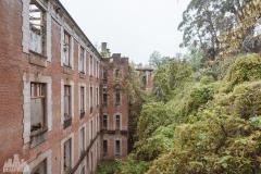 deadinside-urbex-dead-inside-natalia-sobanska-abandoned-palace-AbkhaziaGeorgia-1-of-1