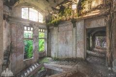 deadinside-urbex-dead-inside-natalia-sobanska-abandoned-palace-AbkhaziaGeorgia-20-of-20
