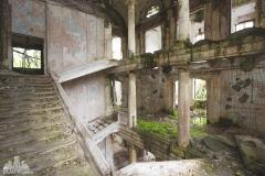 deadinside-urbex-dead-inside-natalia-sobanska-abandoned-palace-AbkhaziaGeorgia-6-of-20