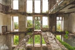 deadinside-urbex-dead-inside-natalia-sobanska-abandoned-palace-AbkhaziaGeorgia-7-of-20