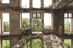 deadinside-urbex-dead-inside-natalia-sobanska-abandoned-palace-AbkhaziaGeorgia-8-of-20