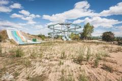 deadinside-urbex-dead-inside-natalia-sobanska-abandoned-abandoned-theme-park-waterp-parke-France-1-of-14