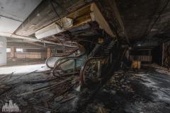 deadinside-urbex-dead-inside-natalia-sobanska-abandoned-abandoned-theater-abandoned-stairs-elvator-Taiwan-8