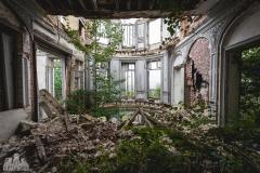 deadinside-urbex-dead-inside-natalia-sobanska-abandoned-abandoned-romantic-villa-france-10-of-14