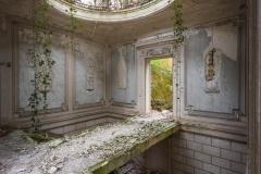 deadinside-urbex-dead-inside-natalia-sobanska-abandoned-abandoned-romantic-villa-france-12-of-14