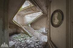 deadinside-urbex-dead-inside-natalia-sobanska-abandoned-abandoned-romantic-villa-france-2-of-14