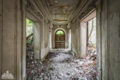 deadinside-urbex-dead-inside-natalia-sobanska-abandoned-abandoned-romantic-villa-france-4-of-14