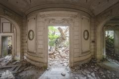 deadinside-urbex-dead-inside-natalia-sobanska-abandoned-abandoned-romantic-villa-france-5-of-14