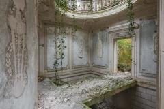 deadinside-urbex-dead-inside-natalia-sobanska-abandoned-abandoned-romantic-villa-france-6-of-14