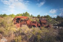 deadinside-urbex-dead-inside-natalia-sobanska-abandoned-rusty-cars-car-graveyard-France-9-of-28