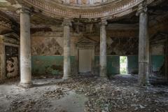 deadinside, urbex, dead inside, natalia sobanska, abandoned, abandoned, abandoned sanatorium, georgia, cow on urbex, decay, opuszczone (10 of 15)