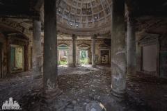 deadinside, urbex, dead inside, natalia sobanska, abandoned, abandoned, abandoned sanatorium, georgia, cow on urbex, decay, opuszczone (11 of 15)