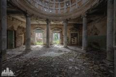 deadinside, urbex, dead inside, natalia sobanska, abandoned, abandoned, abandoned sanatorium, georgia, cow on urbex, decay, opuszczone (12 of 15)