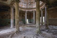 deadinside, urbex, dead inside, natalia sobanska, abandoned, abandoned, abandoned sanatorium, georgia, cow on urbex, decay, opuszczone (3 of 15)