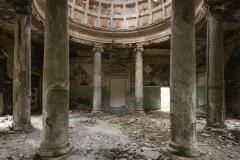 deadinside, urbex, dead inside, natalia sobanska, abandoned, abandoned, abandoned sanatorium, georgia, cow on urbex, decay, opuszczone (5 of 15)