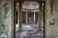 deadinside, urbex, dead inside, natalia sobanska, abandoned, abandoned, abandoned sanatorium, georgia, cow on urbex, decay, opuszczone (6 of 15)