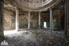 deadinside, urbex, dead inside, natalia sobanska, abandoned, abandoned, abandoned sanatorium, georgia, cow on urbex, decay, opuszczone (9 of 15)
