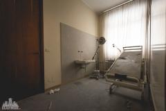 deadinside-urbex-dead-inside-natalia-sobanska-abandoned-abandonedsanatorium-ospedale-Italy-1-of-15