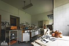 deadinside-urbex-dead-inside-natalia-sobanska-abandoned-abandonedsanatorium-ospedale-Italy-13-of-15