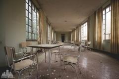 deadinside-urbex-dead-inside-natalia-sobanska-abandoned-abandonedsanatorium-ospedale-Italy-8-of-15