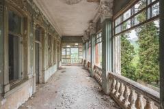 deadinside-dead-inside-natalia-sobanska-abandoned-abandoned-georgia-orphanage-urbex-1-of-30