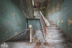 deadinside-dead-inside-natalia-sobanska-abandoned-abandoned-georgia-orphanage-urbex-11-of-30