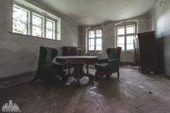 deadinside-urbex-dead-inside-natalia-sobanska-abandoned-abandoned-spiegielvilla-Austria-4-of-4