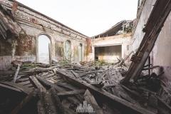 deadinside-urbex-dead-inside-natalia-sobanska-abandoned-abandoned-theater-abandoned-Abkhazia-ruins-Georgia-10-of-32