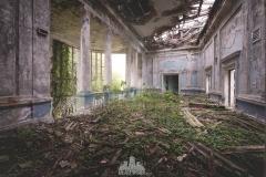 deadinside-urbex-dead-inside-natalia-sobanska-abandoned-abandoned-theater-abandoned-Abkhazia-ruins-Georgia-5-of-32