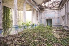 deadinside-urbex-dead-inside-natalia-sobanska-abandoned-abandoned-theater-abandoned-Abkhazia-ruins-Georgia-6-of-32