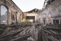 deadinside-urbex-dead-inside-natalia-sobanska-abandoned-abandoned-theater-abandoned-Abkhazia-ruins-Georgia-9-of-32