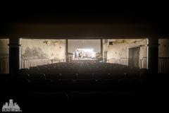 deadinside, urbex,abandoned places, dead inside, natalia sobanska, abandoned, abandoned theater, slovakia, urbex (3 of 9)
