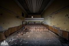 deadinside, urbex,abandoned places, dead inside, natalia sobanska, abandoned, abandoned theater, slovakia, urbex (8 of 9)