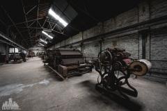 deadinside-urbex-dead-inside-natalia-sobanska-abandoned-spinnig-mill-usine-s-14-of-21
