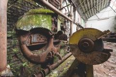 deadinside-urbex-dead-inside-natalia-sobanska-abandoned-spinnig-mill-usine-s-4-of-21