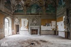 deadinside-urbex-dead-inside-natalia-sobanska-abandoned-abandoned-villa-Italy-villa-Argento-1-of-16