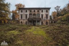 deadinside-urbex-dead-inside-natalia-sobanska-abandoned-abandoned-villa-Italy-villa-Argento-14-of-16