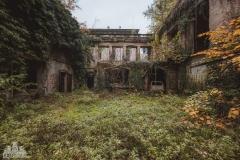 deadinside-urbex-dead-inside-natalia-sobanska-abandoned-abandoned-villa-Italy-villa-Argento-15-of-16