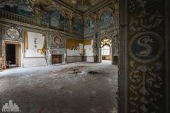 deadinside-urbex-dead-inside-natalia-sobanska-abandoned-abandoned-villa-Italy-villa-Argento-6-of-16