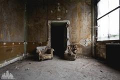 deadinside-urbex-dead-inside-natalia-sobanska-abandoned-abandoned-villa-Italy-villa-Argento-8-of-16