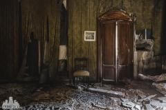deadinside, urbex, dead inside, natalia sobanska, abandoned, Kupari, abandoned villa, Italy, abandoned Italy, villa drapp (10 of 16)